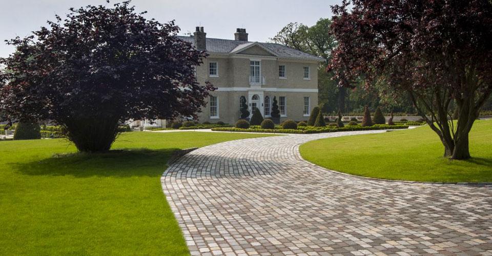St Leonards Estate Driveway